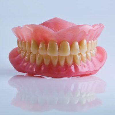 ผลิตภัณฑ์สำหรับฟันปลอม